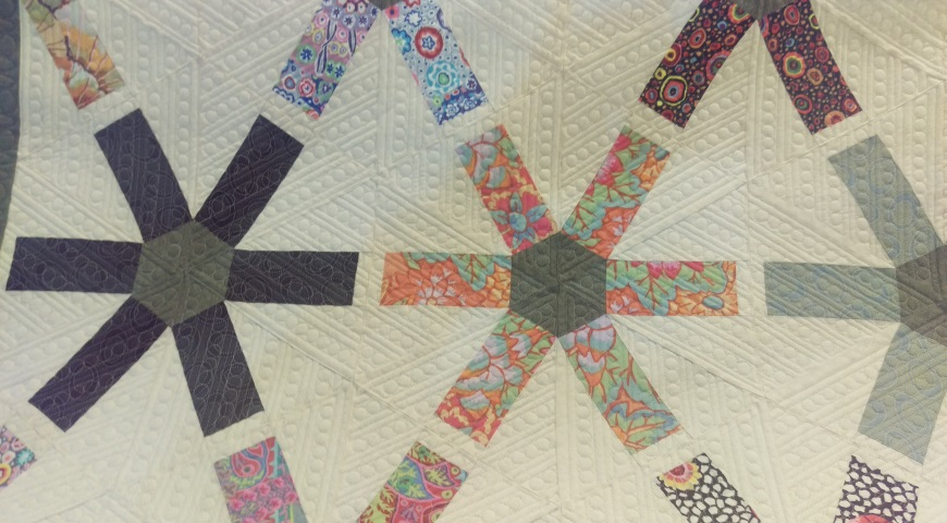 Lines And Pearls Tri P2P. Quilted By Robin Wacker.